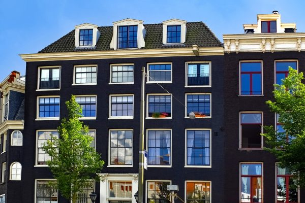 Stylish Downtown Apartment